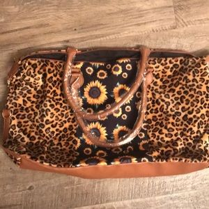 Nwot sunflower 🌻 and leopard duffel